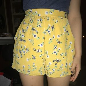 floral, yellow, stretchy, flowy shorts